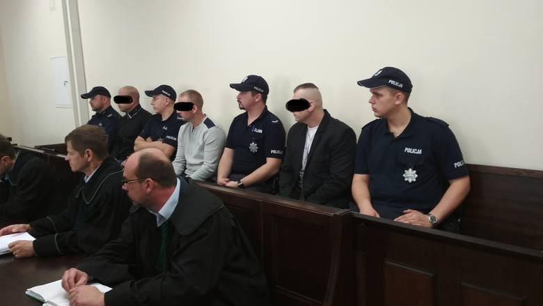 Poznań: Upozorowali napad na konwojenta w King Cross. Trafią do więzienia na kilka lat