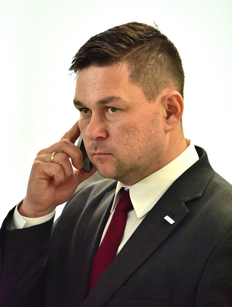 Prokuratura Krajowa chce postawić zarzuty posłowi PiS P.Olszówce