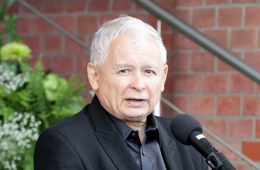 Jarosław Kaczyński ma dziś urodziny. Czego mu życzycie?