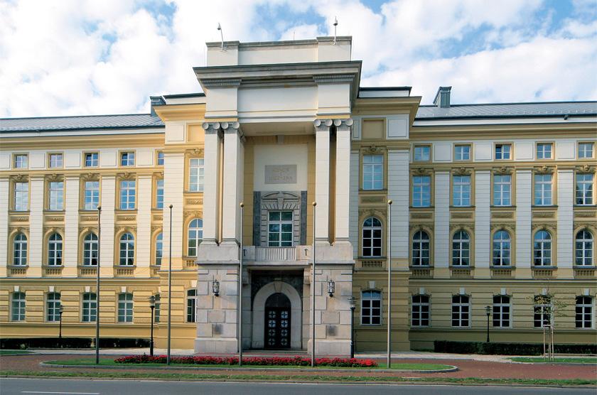 Posłowie PO prześwietlają wydatki kancelarii premiera i ministerstw