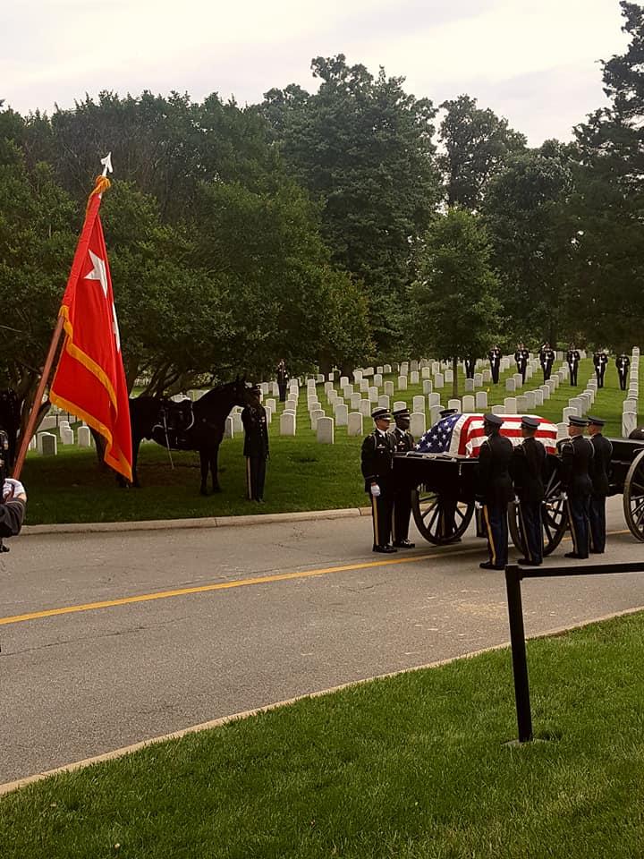 Pogrzeb Generala Edwarda Rowny'ego na Cmentarzu Narodowym Arlington