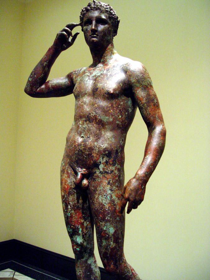 """Włoski sąd wydał nakaz konfiskaty od USA słynnej antycznej rzeźby """"Zwycięski atleta"""""""
