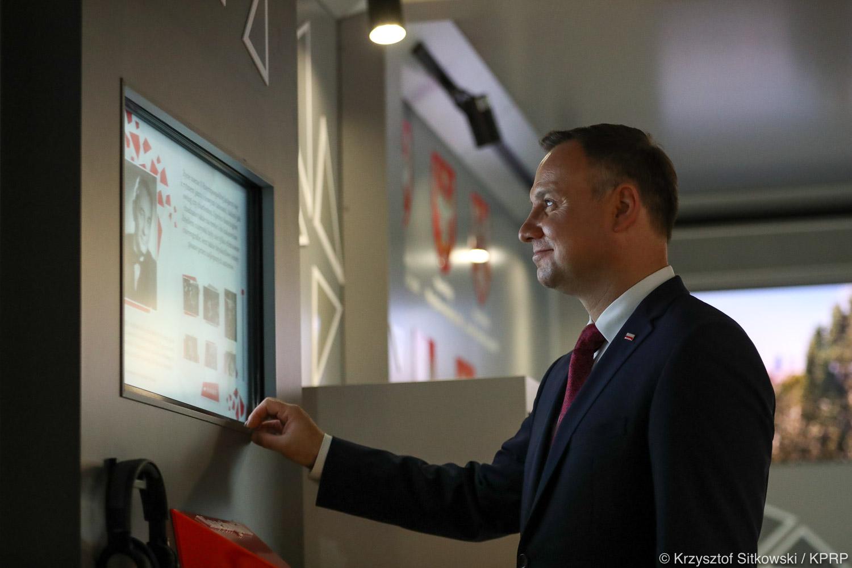 Prezydent otworzył Mobilne Multimedialne Muzeum
