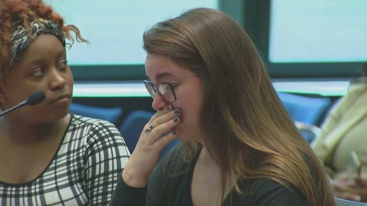 Molestowane seksualnie  uczennice CPS zeznawały przed legislaturą Illinois