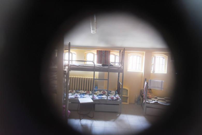 Rosyjska straż więzienna nakręciła clip ze scenami przemocy