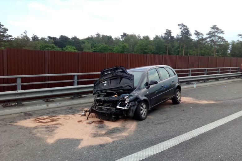 Kujawy: Rozbiła auto z czwórką dzieci, bo zasłabła. Nie pierwszy raz, więc może stracić prawo jazdy