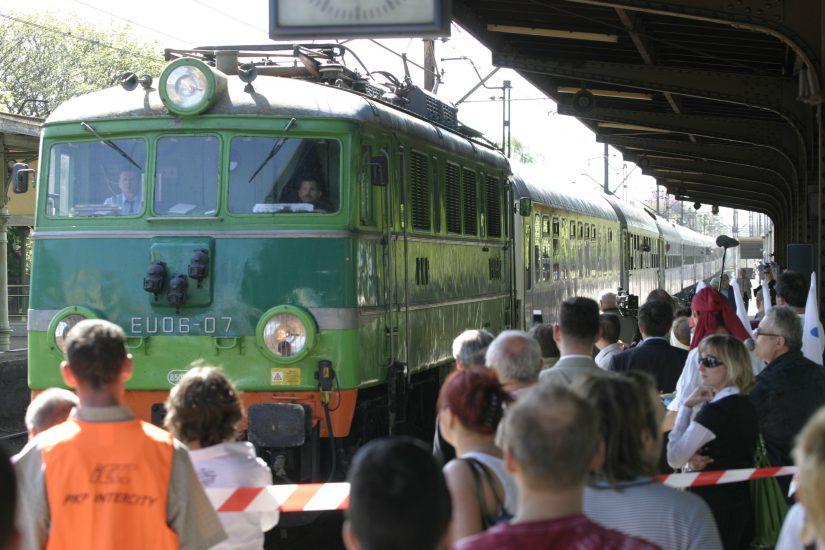 Turyści na dworzec w Zakopanem nie dojadą taksówką. Władze miasta fundują przymusowy spacer