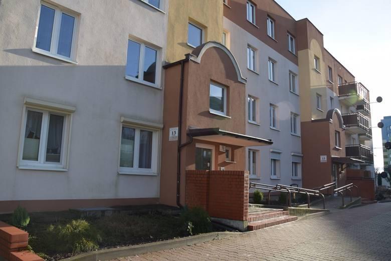 Legnica: Matka zamordowała swoje córki. Zadźgała 13-miesięczną Laurę i 12-letnią Emilię