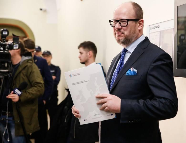 Gdańsk: Paweł Adamowicz winnym pomówienia i naruszenia nietykalności cielesnej działacza Młodzieży Wszechpolskiej. Wyrok nie jest prawomocny