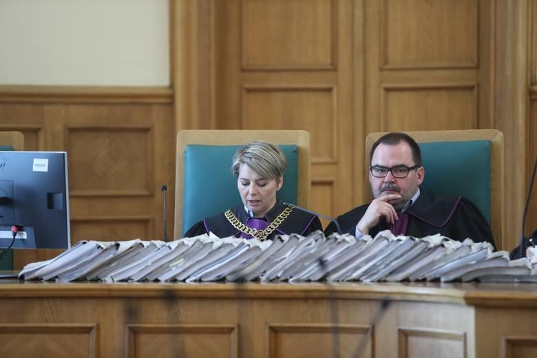 Proces byłego księdza i posła w Łodzi. Zaplanował zabójstwo byłej żony?