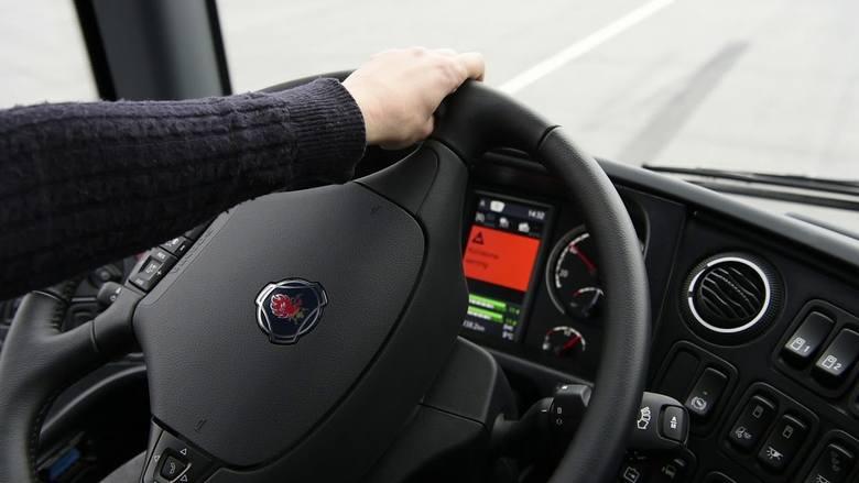 Nowa propozycja UE: Ograniczniki prędkości i czarne skrzynki w autach obowiązkowe od 2021 roku