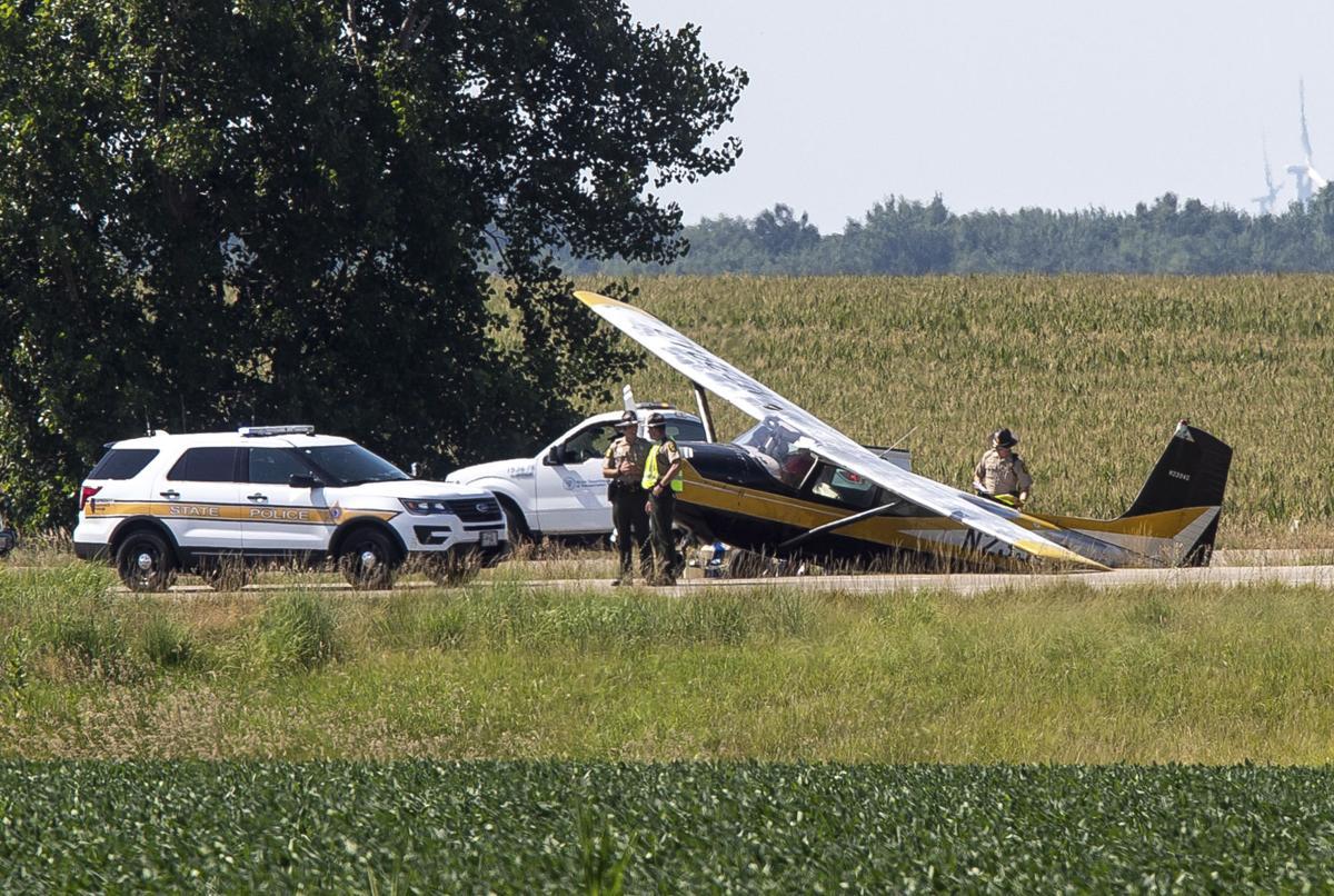 Awaryjne lądowanie małego samolotu na I-55