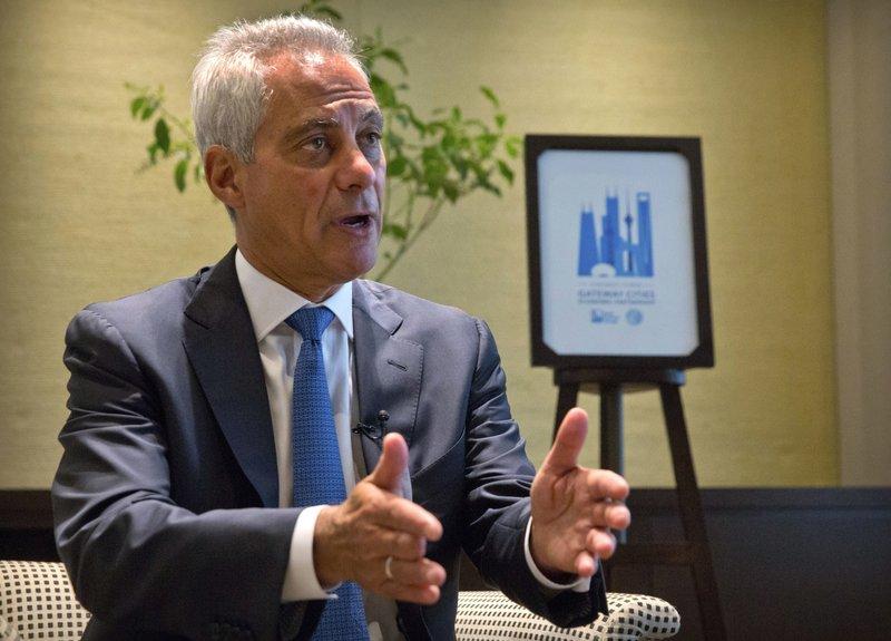 Burmistrz Chicago w Chinach próbuje ratować umowę z CTA