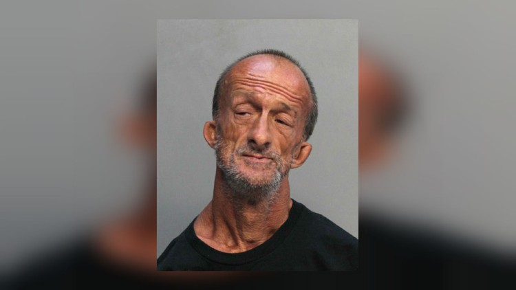 Mężczyzna bez rąk oskarżony o ugodzenie turysty z Chicago w Miami Beach