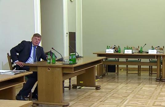 Amber Gold: Komisja przesłuchała b. wiceministra finansów Andrzeja Parafianowicza. Dlaczego nie skorzystał ze swoich uprawnień?