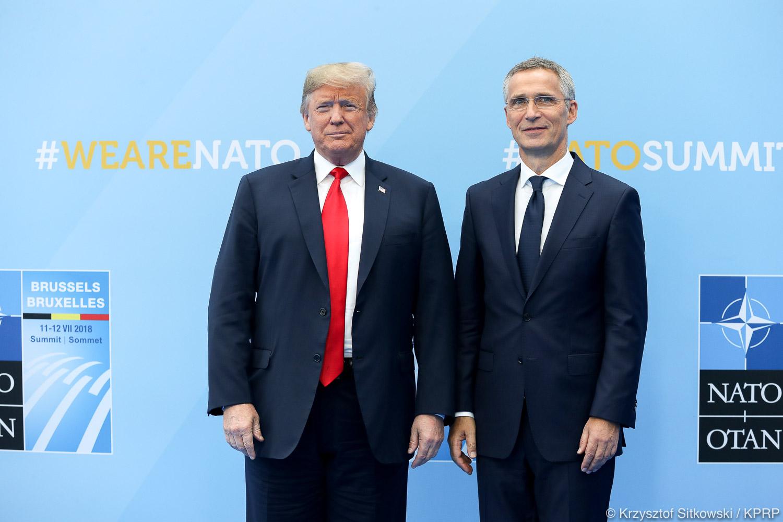 Trump i Stoltenberg krytykują francuskiego prezydenta za jego niedawne słowa o NATO