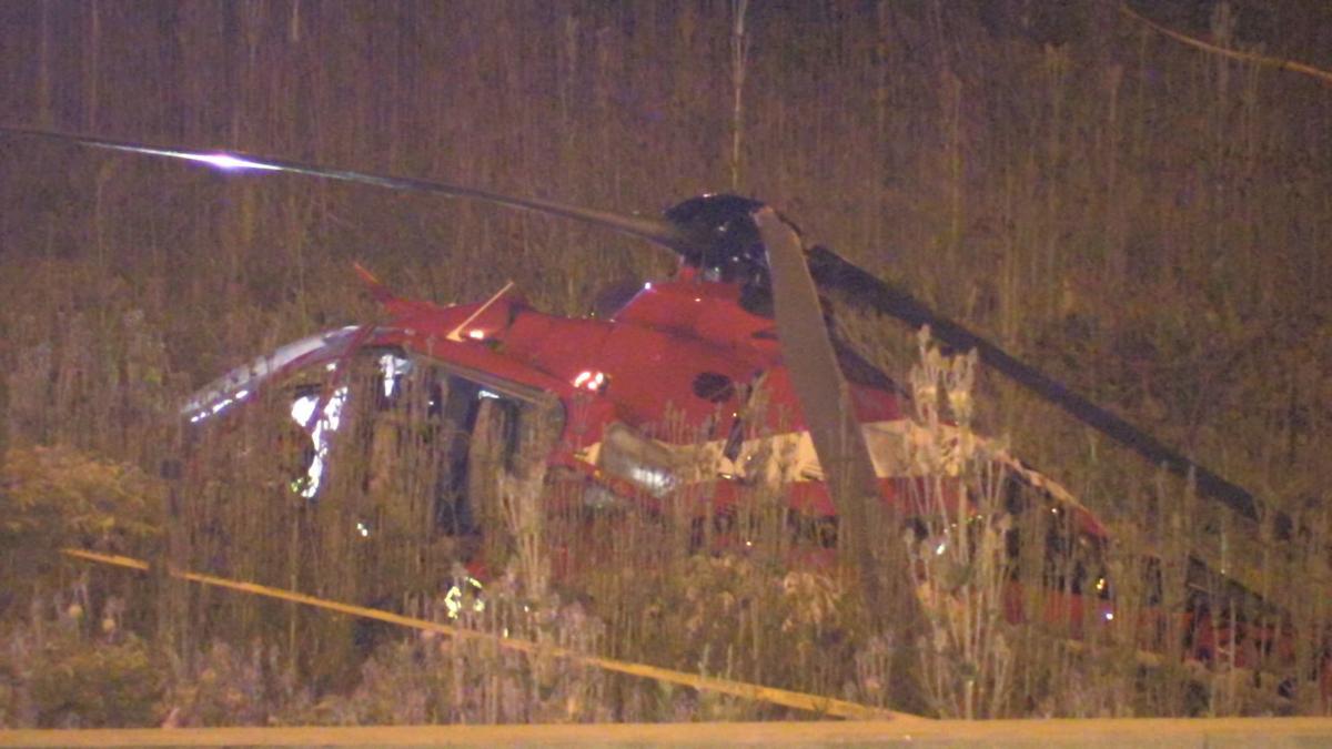 Helikopter medyczny rozbił się w pobliżu autostrady w Chicago. Cztery osoby ranne