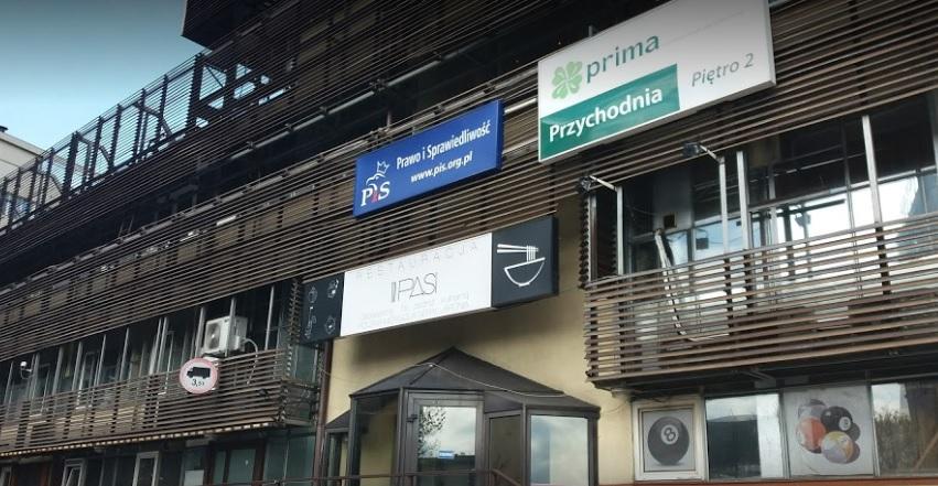 Siedziba PiS przy ulicy Nowogrodzkiej w Warszawie w centrum politycznych wydarzeń