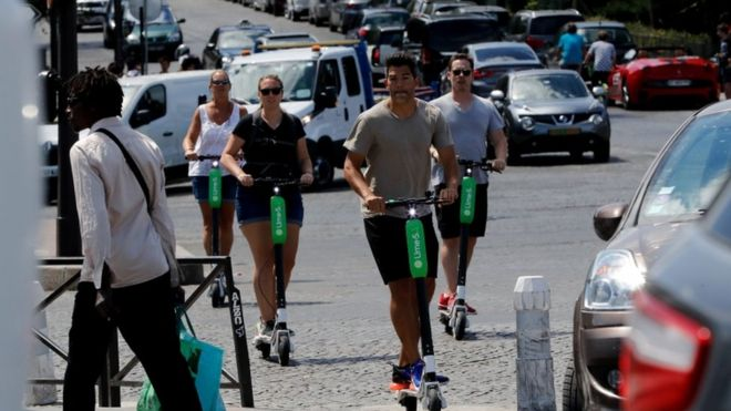 W sobotę uruchomione zostaną w Chicago wypożyczalnie elektrycznych skuterów