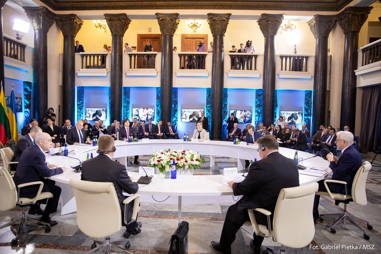Gruzja: Kraje Europy wspierają władze w Tbilisi