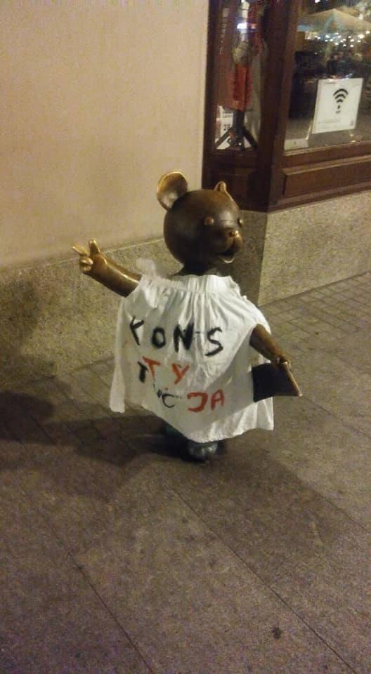 Łódź: Miś Uszatek zamieszany w wielką politykę. Akcja KOD