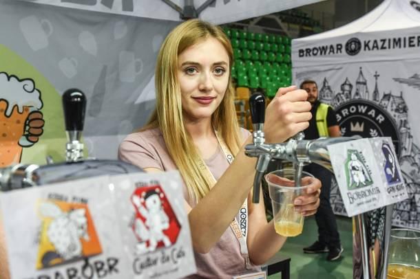 Kujawsko-pomorskie: Uwaga na butelki z bydgoskiego browaru! Mogą wybuchnąć