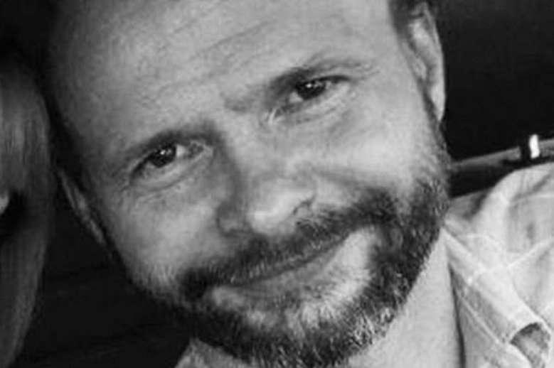 Nie żyje syn Leszka Millera. O jego śmierci poinformowała córka Monika Miller. Miał 48 lat. W mediach jest już dużo pogłosek…