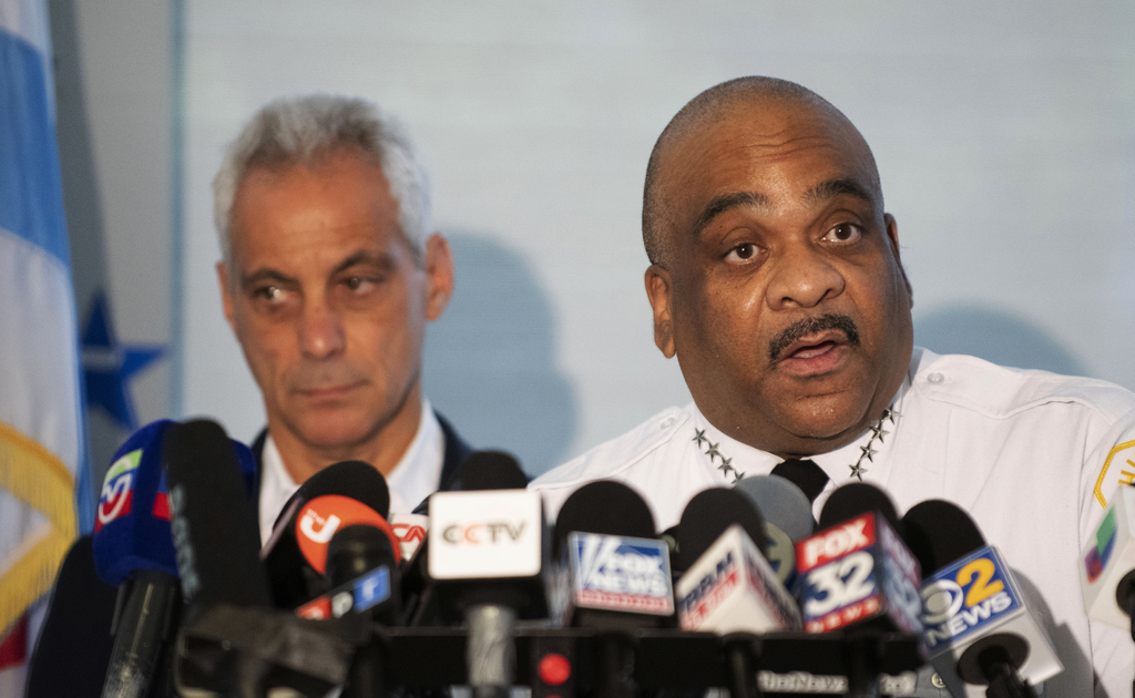 Burmistrz i nadkomisarz policji o weekendowych strzelaninach w Chicago