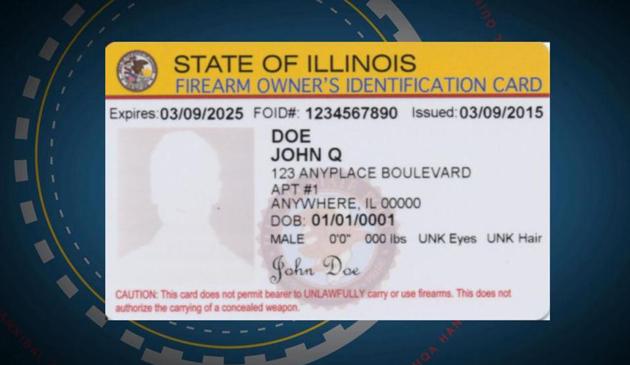 Policja odbiera karty FOID i broń osobom, którym unieważniono pozwolenie na broń