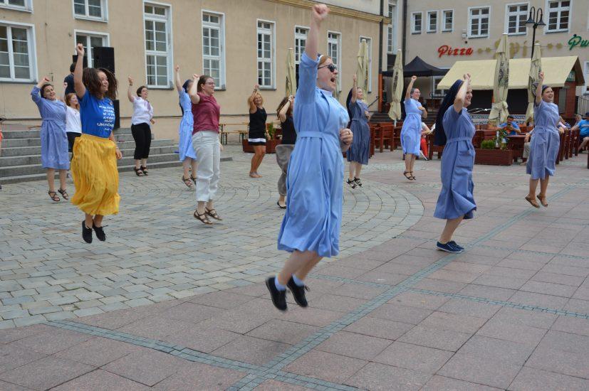 Siostry zakonne tańczyły na opolskim Rynku
