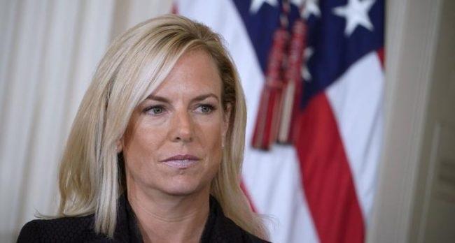 Senator z Illinois domaga się dymisji szefowej krajowego departamentu bezpieczeństwa