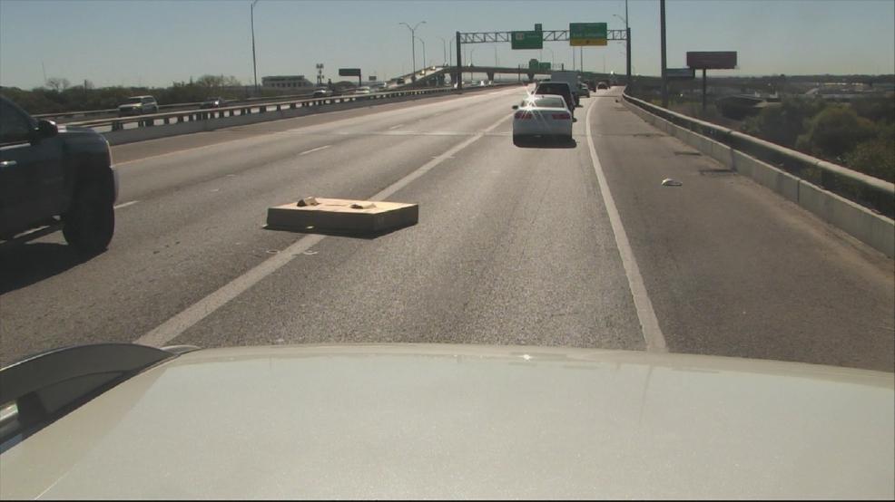 Zalegające na drogach przedmioty powodem licznych wypadków w Illinois