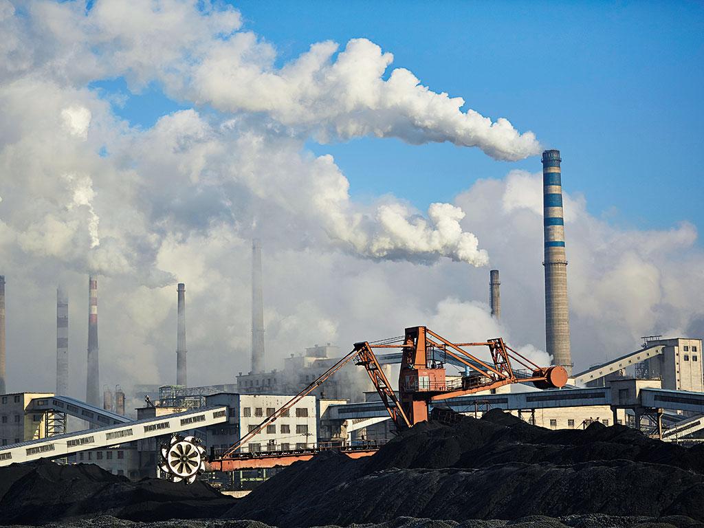 Donald Trump chce powrotu elektrowni węglowych. Illinois stawia jednak na ekologię