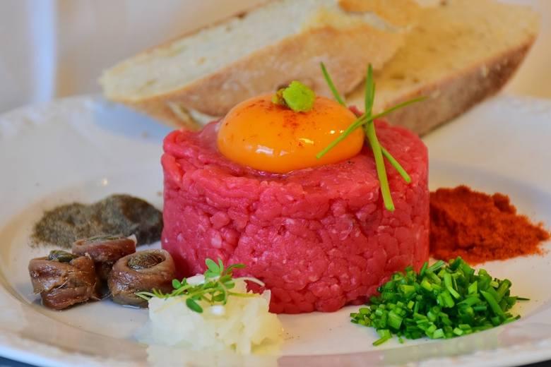 Salmonella w mięsie. Sieć Lidl wycofuje ze sprzedaży tatar wołowy