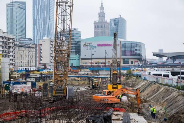 Warszawa: Powstaje najwyższy wieżowiec w Polsce. Sprawdzamy, co dzieje się na budowie [FOTO]