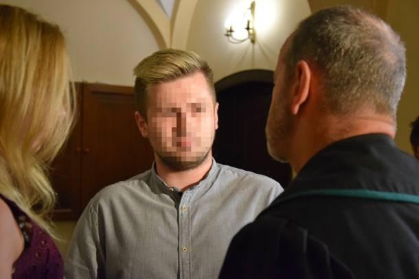 Oświęcim: Ruszył proces w sprawie wypadku premier Beaty Szydło. Oskarżony w modnej fryzurze [FOTO]
