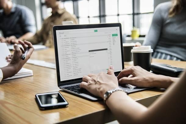 Fałszywe maile trafiają do klientów ZUS. Mogą zawirusować komputer