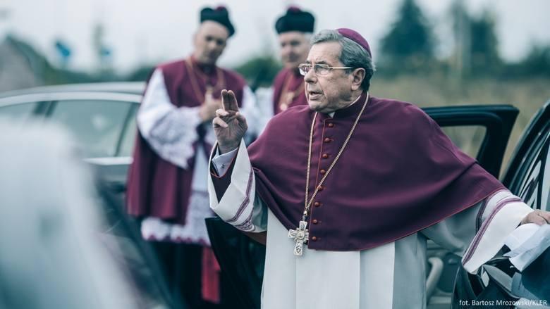 Kler zablokowany w Ełku? Radny apeluje do prezydenta, aby wstrzymał wyświetlanie kontrowersyjnej produkcji o Kościele Katolickim