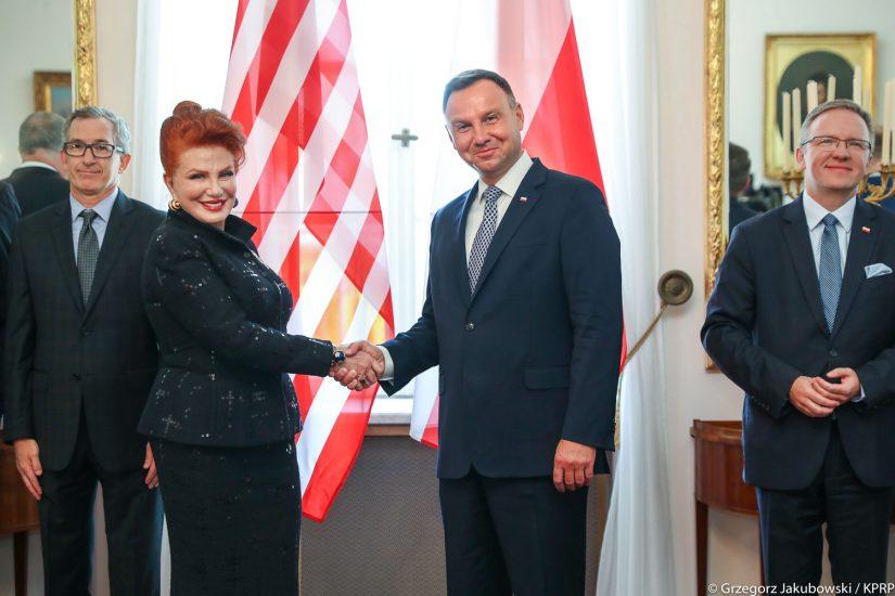 Nowa ambasador USA zaczyna pracę w Polsce