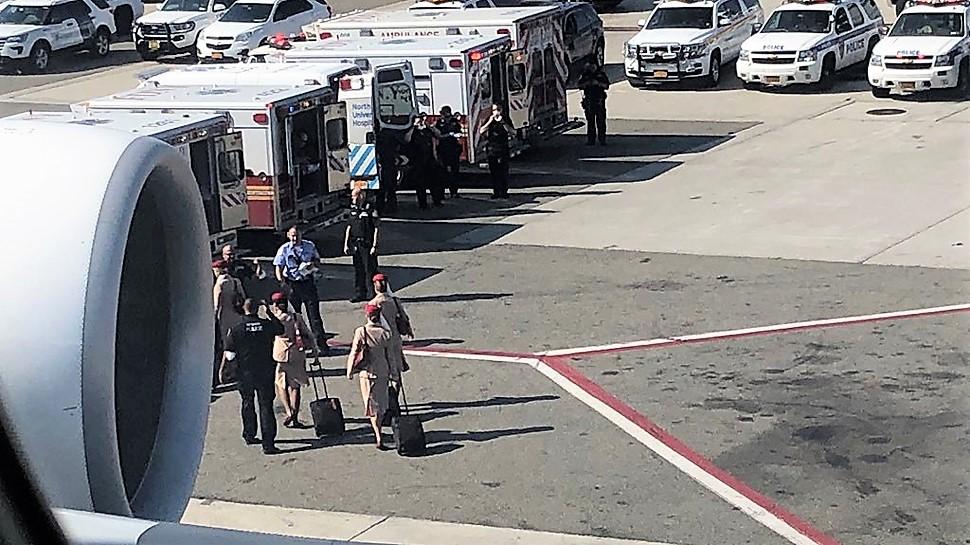 Nowy Jork: Kwarantanna pasażerów samolotu