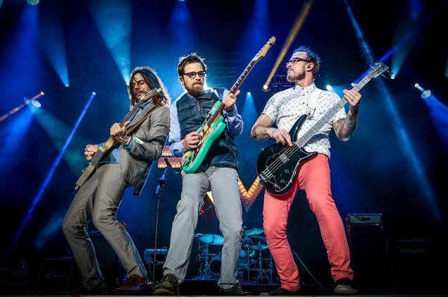 Weezer wystąpi na Riot Fest