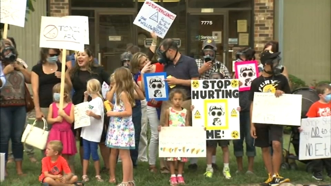 Mieszkańcy Willowbrook domagają się zamknięcia firmy, odpowiedzialnej za skażenie powietrza