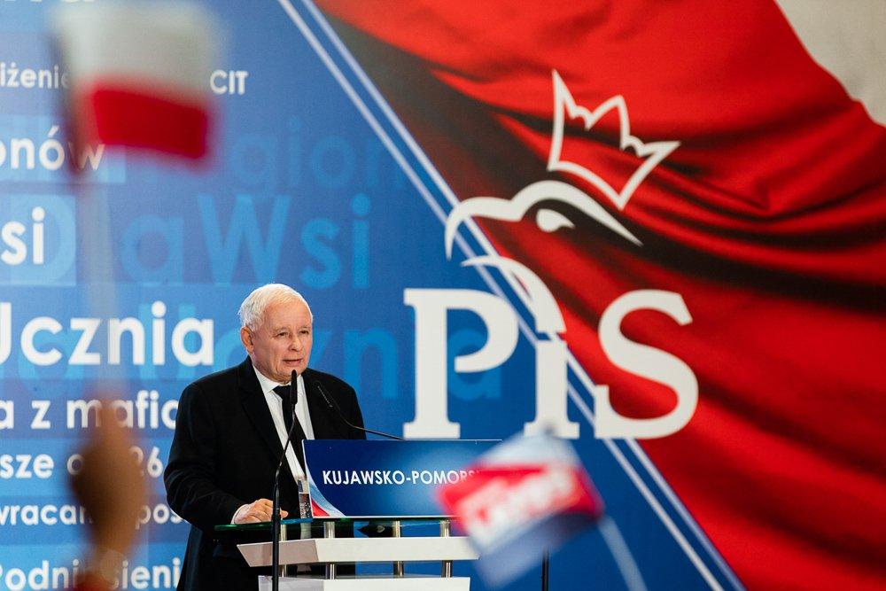 Konwencja PiS w Bydgoszczy: Obietnice odbudowy przemysłu chemicznego