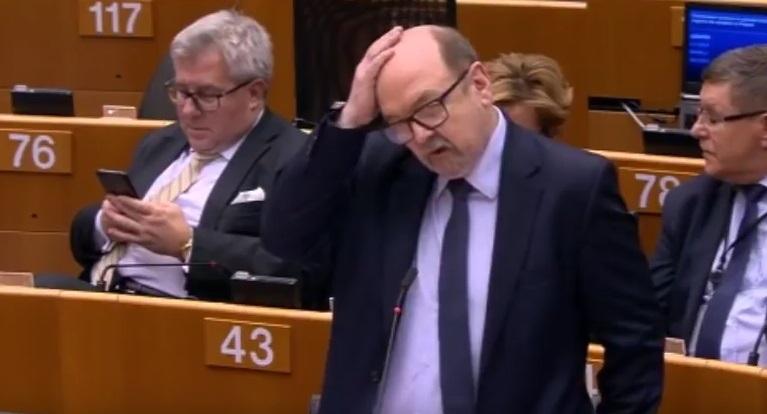 Legutko: Zapis o członkostwie Polski w UE w konstytucji jest jej unicestwieniem