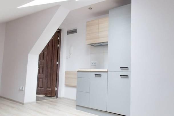 Oto najmniejsze mieszkanie w Krakowie. Ta kawalerka ma tylko… 7,42 m2