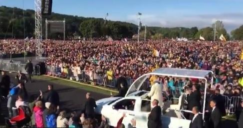 Drugi dzień pielgrzymki papieża Franciszka w krajach bałtyckich