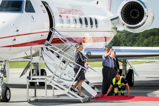 Prezydent Andrzej Duda poleciał z Warszawy do USA ekskluzywną maszyną z silnikiem Rolls-Royce'a [FOTO]
