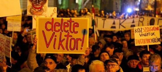 """Węgry: Antyrządowe protesty. """"Precz z Orbanem"""", """"nie boimy się"""""""