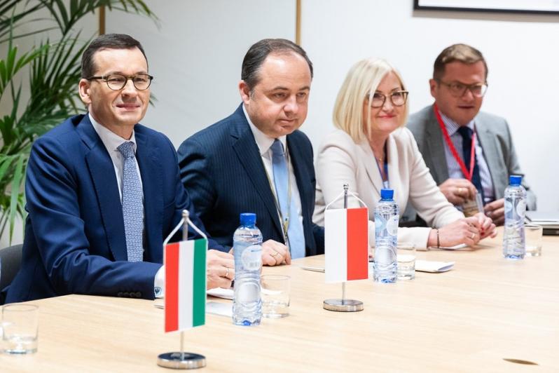 Szczyt UE dot. zatwierdzenia umowy brexitowej. Premier Morawiecki: Polskie interesy zabezpieczone