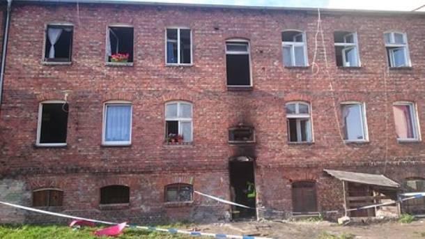 Pożar budynku przy ulicy Pileckiego w Lęborku. Dwanaście osób w szpitalu, trzy w stanie ciężkim